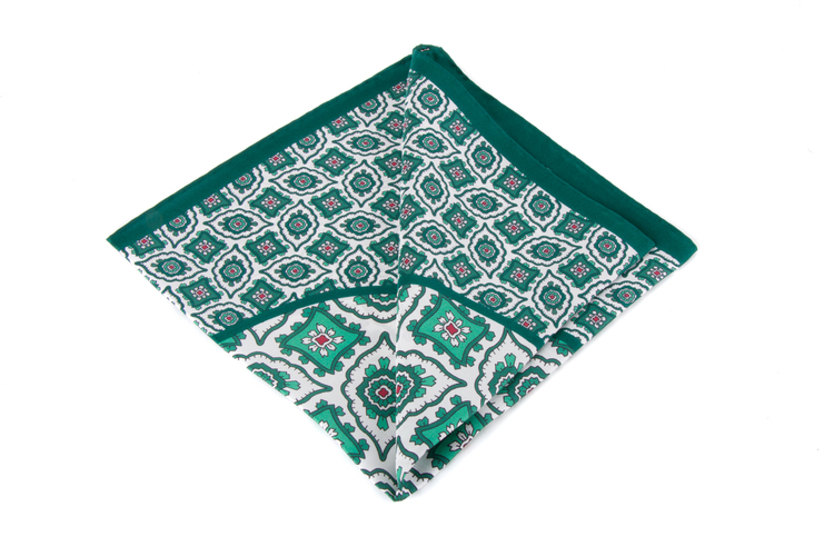Silk Medallion - Green/White (36x36)