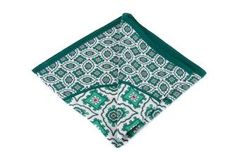 Silk Medallion - Green/White (36x36)