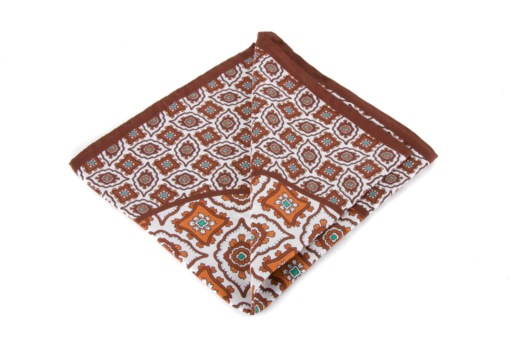 Silk Medallion - Brown/White (36x36)