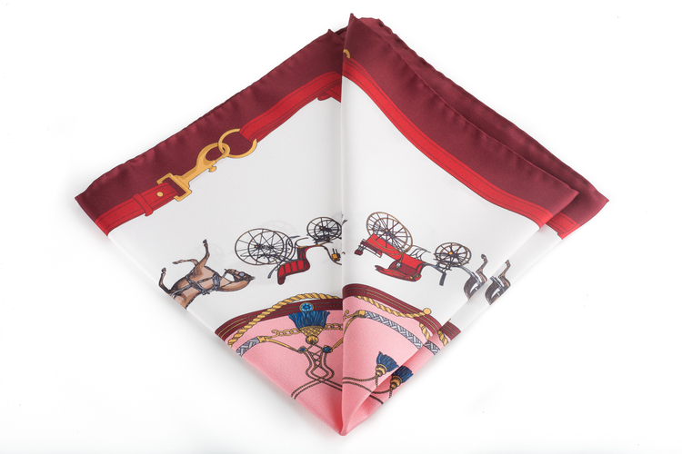 Silk Wagon - White/Burgundy (45x45)