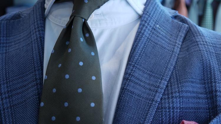 Silk Polka Dot Untipped - Green/Light Blue