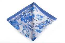 Silk Paisley - White/Light Blue (45x45)