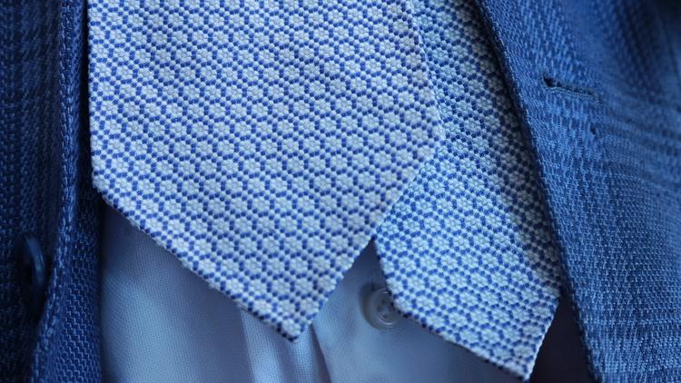 Silk Circular Untipped - Navy Blue/White