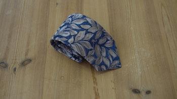 Cotton/Silk Leaf - Navy Blue/Beige