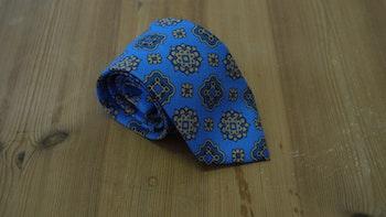 Cotton/Silk Medallion - Light Blue/Beige