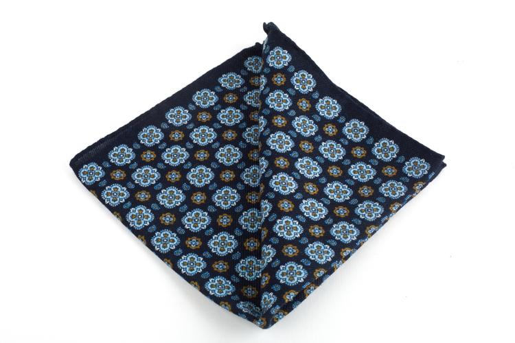 Wool Medallion - Navy BlueBeige/Navy Blue/Light Blue/Beige