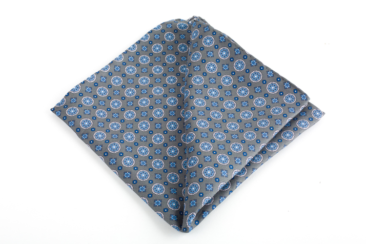 Medallion Printed Silk Pocket Square - Grey/Light Blue