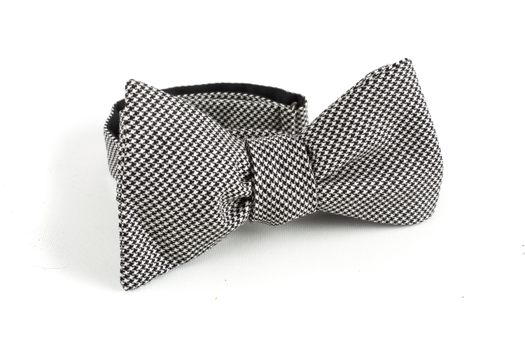 Dogtooth Wool Bow Tie - Black/White
