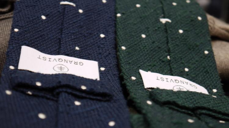 Polka Dot Shantung Grenadine Tie - Untipped - Navy Blue // Green