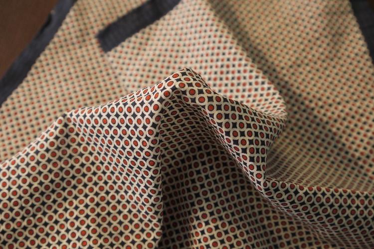 Polka Dot Seersucker Cotton/Silk Pocket Square - Navy Blue