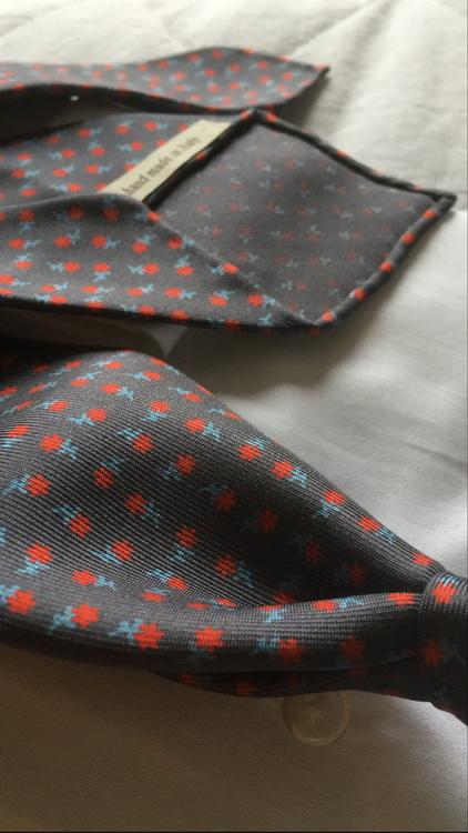 Floral Printed Silk Tie - Untipped - Grey/Red/White