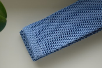 Solid Knitted Silk Tie - Light Blue