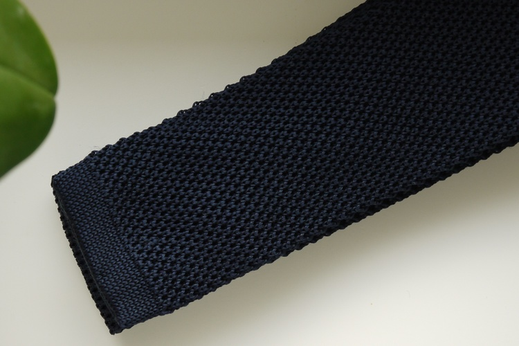 Solid Knitted Silk Tie - Navy Blue