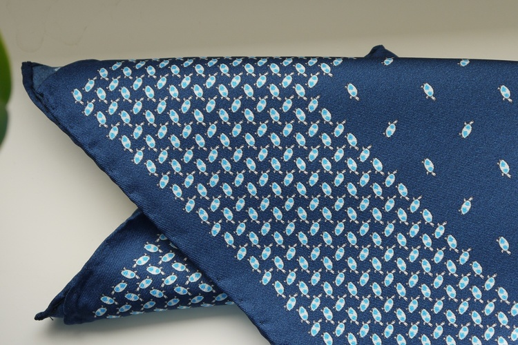 Turtle Silk Pocket Square - Navy Blue/Light Blue/White