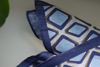 Square Linen Pocket Square - Navy Blue/Light Blue/White