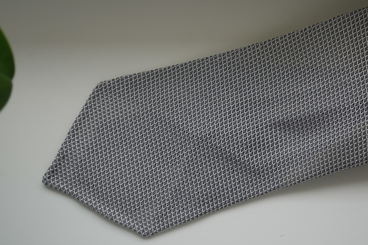 Solid Silk Grenadine Fina Tie - Untipped - Grey/White