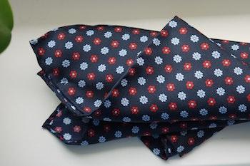 Floral Silk Pocket Square - Navy Blue/Light Blue/Red