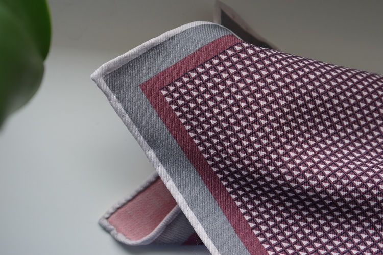 Micro Silk Pocket Square - Burgundy/White