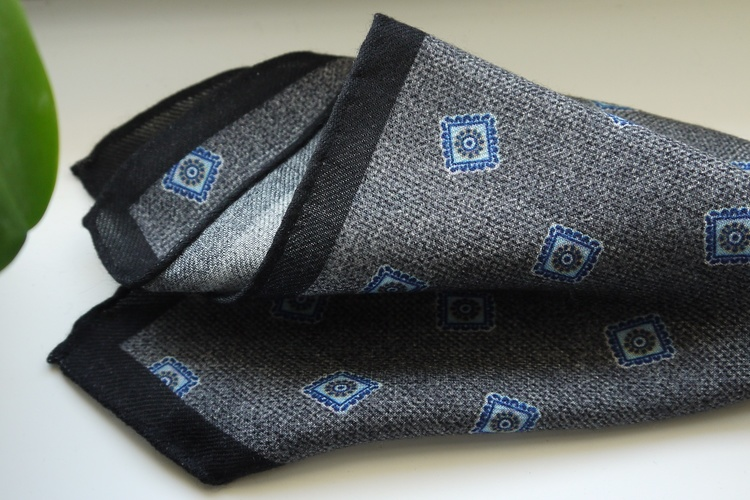 Medallion Wool Pocket Square - Grey/Light Blue/Navy Blue