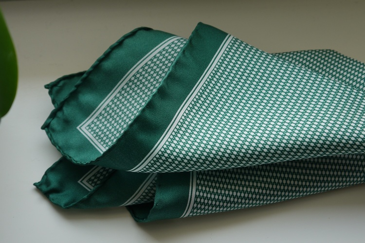 Micro Silk Pocket Square - Green/White