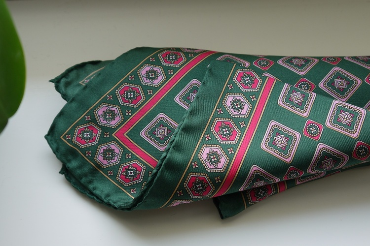 Medallion Silk Pocket Square - Green/Pink