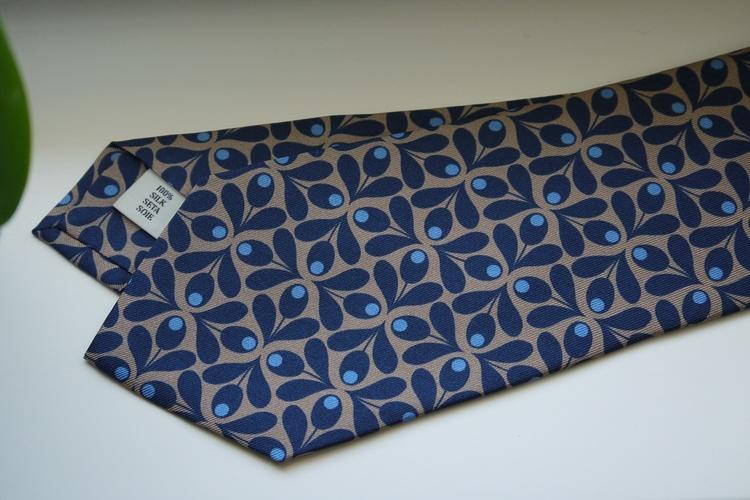 Large Floral Printed Silk Tie - Navy Blue/Beige/Light Blue