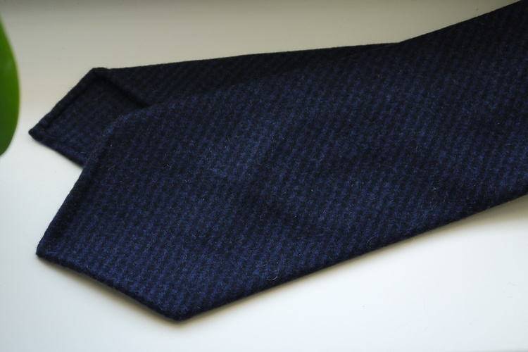 Dogtooth Light Wool Tie - Untipped - Navy Blue/Mid Blue