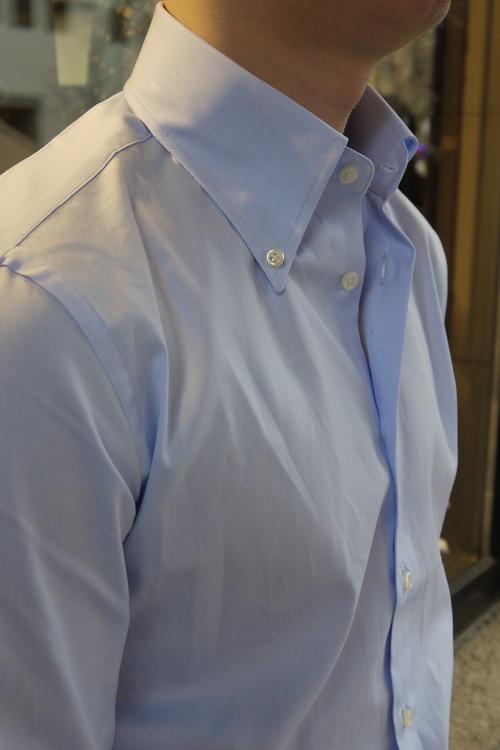 Solid Fine Twill Shirt - Button Down - Light Blue