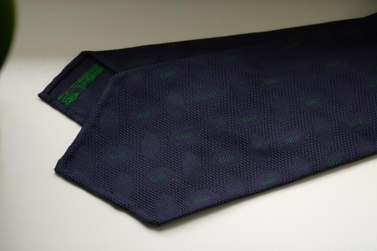 Diamond Silk Garza Tie - Untipped - Navy Blue/Green