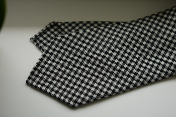 Large Dogtooth Wool Tie - Untipped - Black/White
