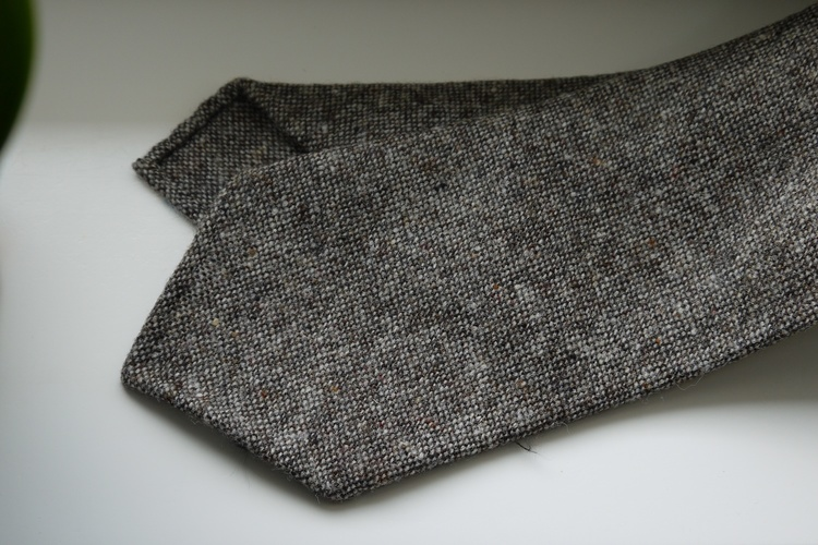 Solid Donegal Wool Tie - Untipped - Beige