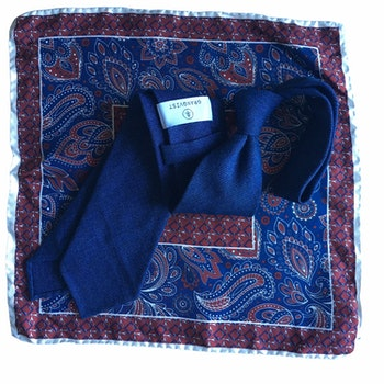 Kit - Solid handrolled wool tie and oriental silk pocket square - Navy Blue/Burgundy/White