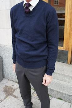 V-Neck Wool Cashmere Pullover - Navy Blue
