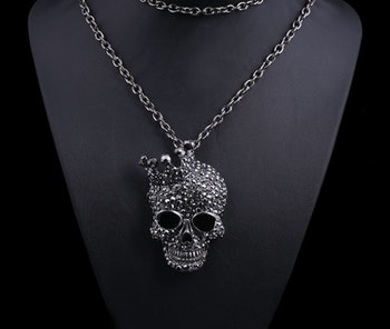 Döskalle halsband - Crystal Crown
