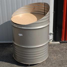 Oljefat / plåttunna med hjul - Omgjort för butik