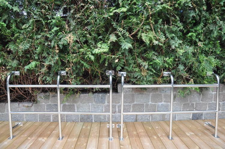 Rostfria välvda skyddsräcken - 122 cm