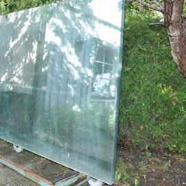 Stora glasskivor - 250 x 150 cm