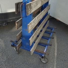 Solid skivvagn med träribbor och gummibotten