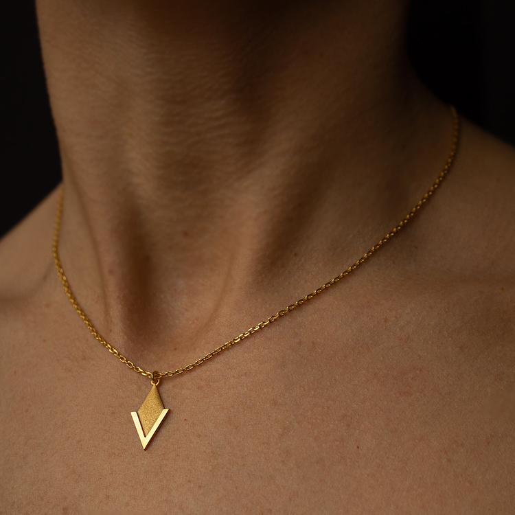 PIL. Halsband litet, guld
