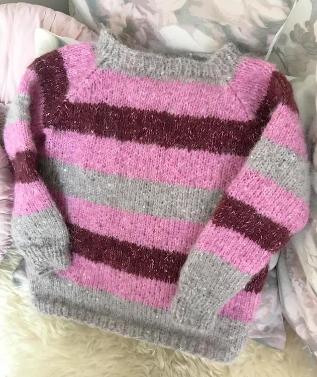 Stripete bling genser str 4-6(8)10(12) år