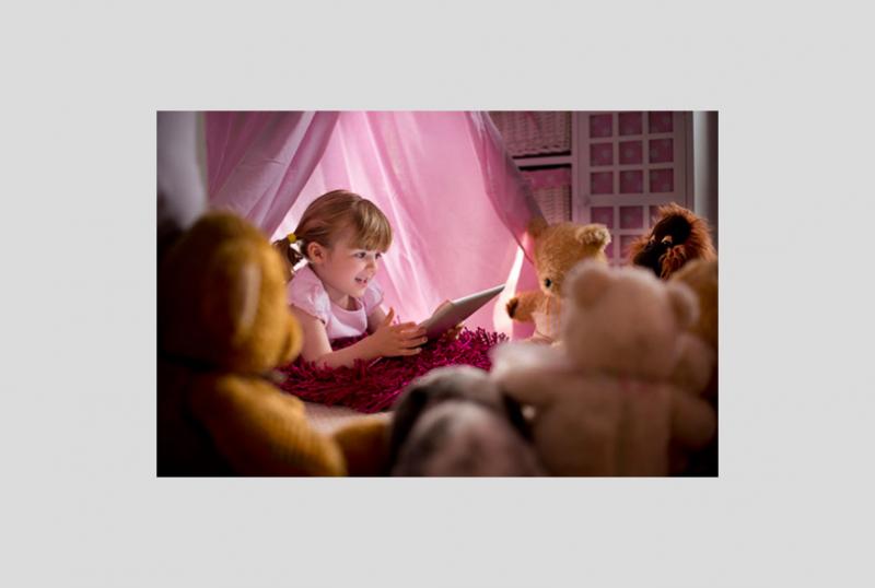 Gosedjur som sover på biblioteket får barnen att läsa