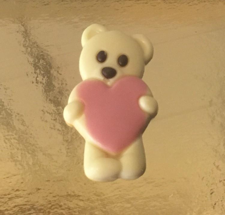 Nallebjörn med Hjärta i vit choklad