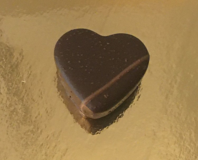Gräddganachehjärta med kaffe i mörk choklad (INNEHÅLLER NÖTTER)