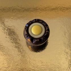 Nougatfyllda ägghalvor Mörk choklad