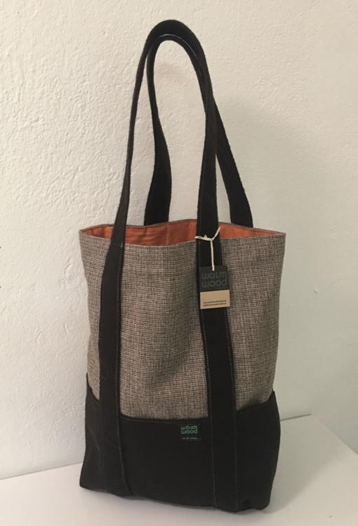 Fodrad väska brun/brunrutig