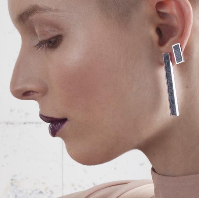Virrvarr Rectangle dark Earring - singel
