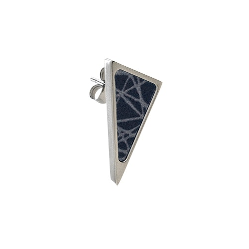 Virrvarr Triangle small dark Earring- singel