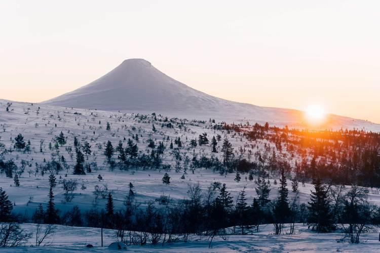 Glödande soluppgång Städjan