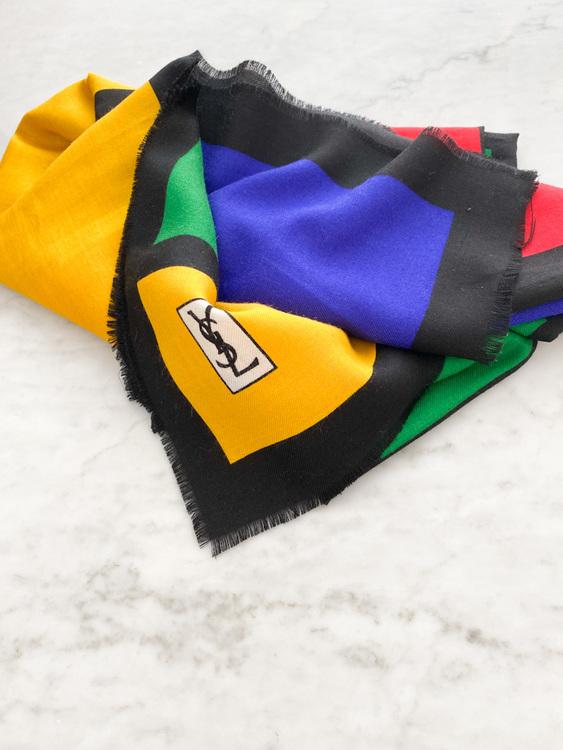 Yves Saint Laurent sjal