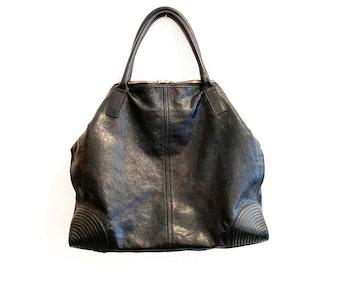 Alexander McQueen Manta Bag